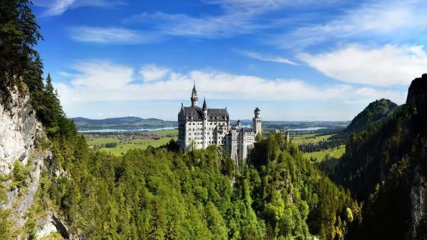 Neuschwanstein German Castle Mountains   Wallpapers HD Download 600x338