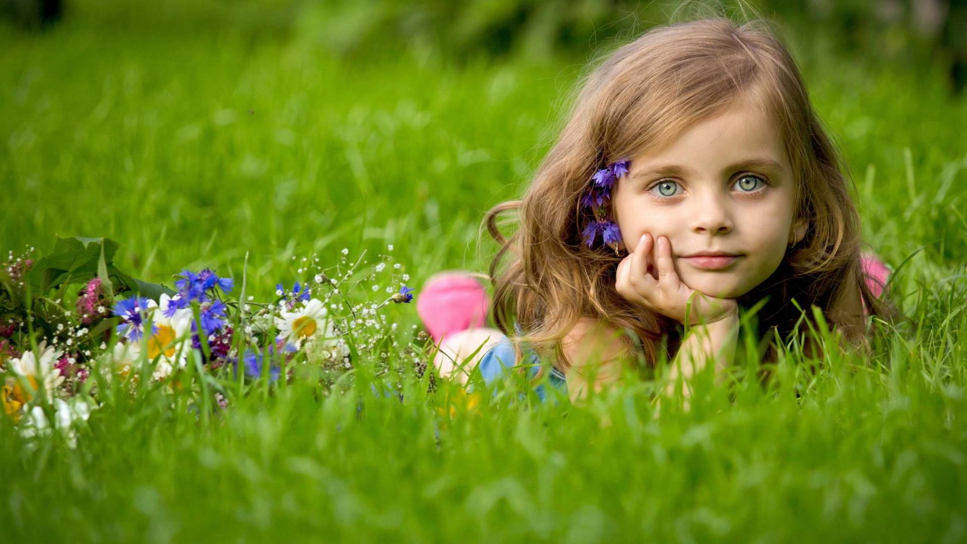 Hd wallpaper cute girl - This Cute Little Girl Hd Wallpaper Has Recently Added In Stylish Hd