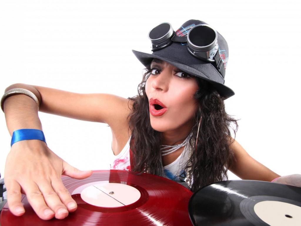 DJ GIRL WALLPAPER   121187   HD Wallpapers   [desktopinHQcom] 1024x768