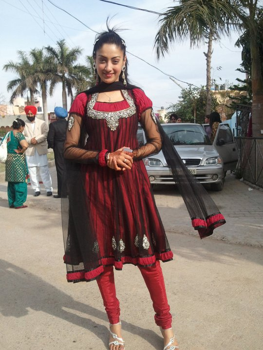 Online Tashan Gurleen Chopra punjabi girls wallpaper 540x720