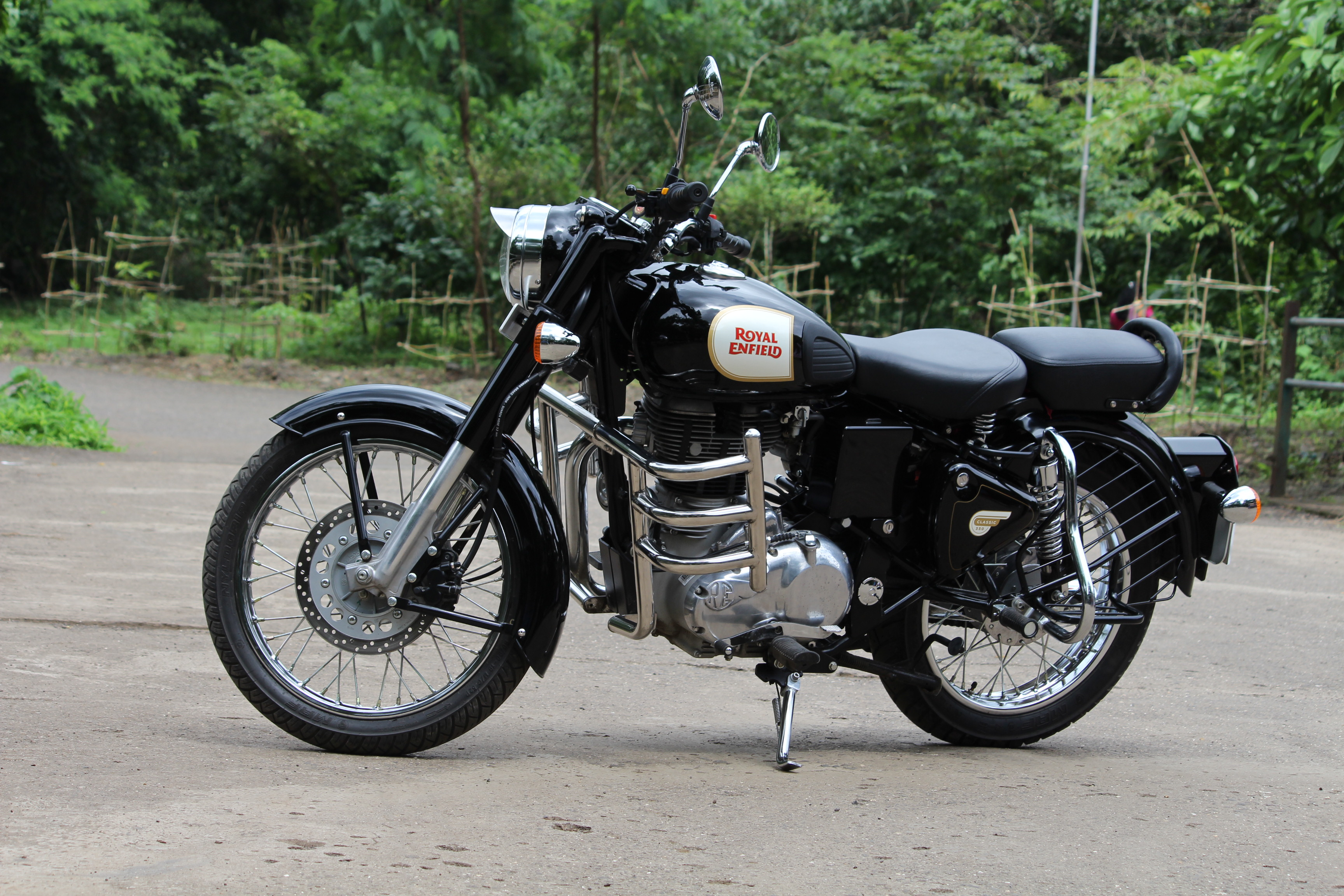 13 royal enfield classic silver wallpapers on wallpapersafari royal enfield classic silver wallpapers