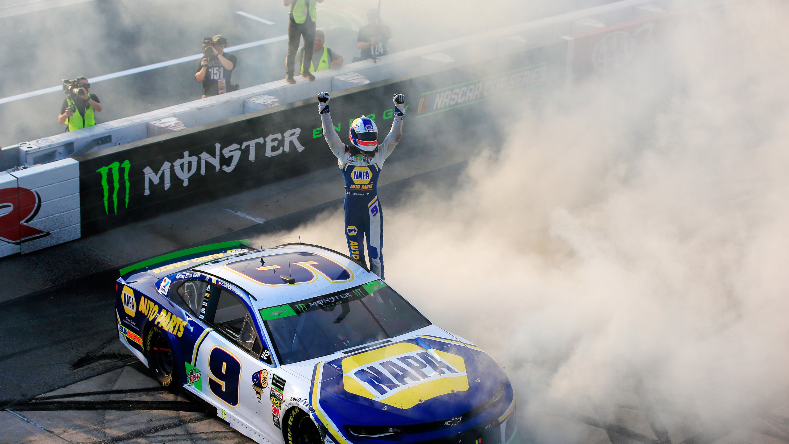 Elliott wins NASCAR playoff race in overtime at Dover 2560x1440