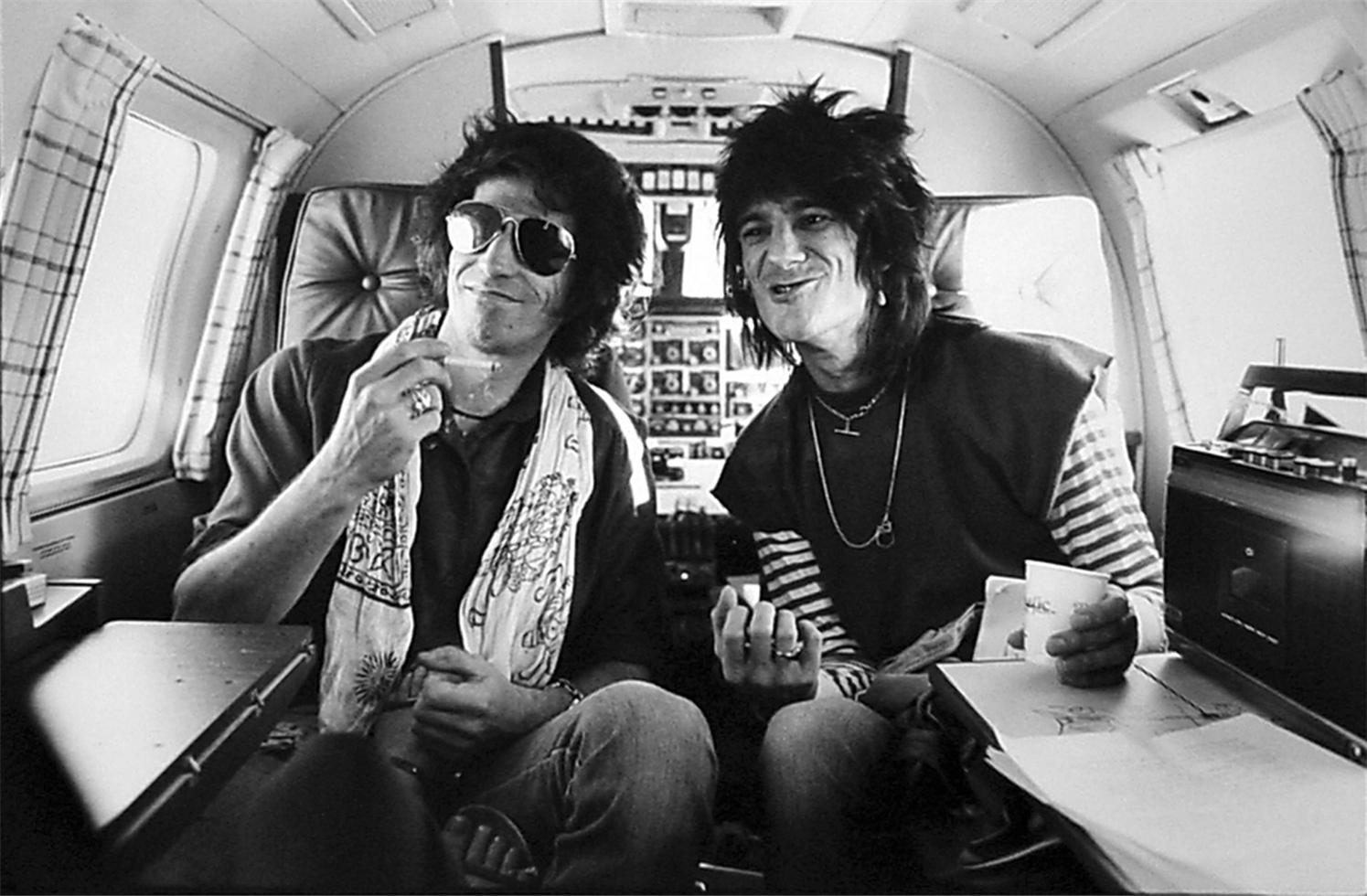 Keith Richards and Ronnie Wood on Lear Jet 1979 1495x980