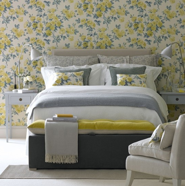 floral bedroom with wallpaper decor 600x603