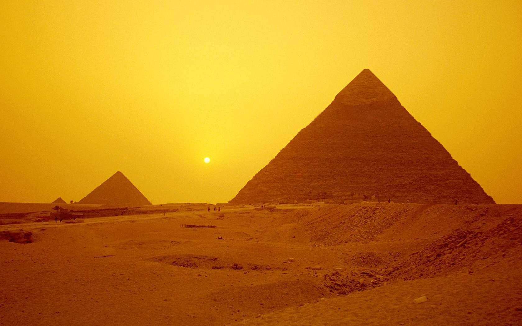 Pyramids Giza Egypt Backgrounds For PowerPoint   Miscellaneous PPT 1680x1050
