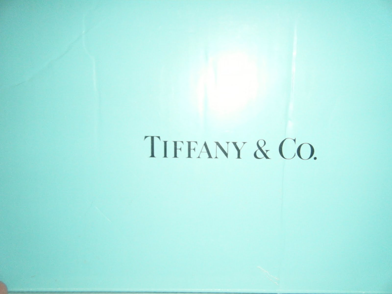 Displaying 16 Images For   Tiffany And Co Box Wallpaper 1600x1200