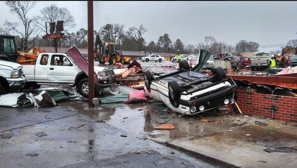 Adairsville Ga Tornado   Photo Picture Image and Wallpaper Download 952x541