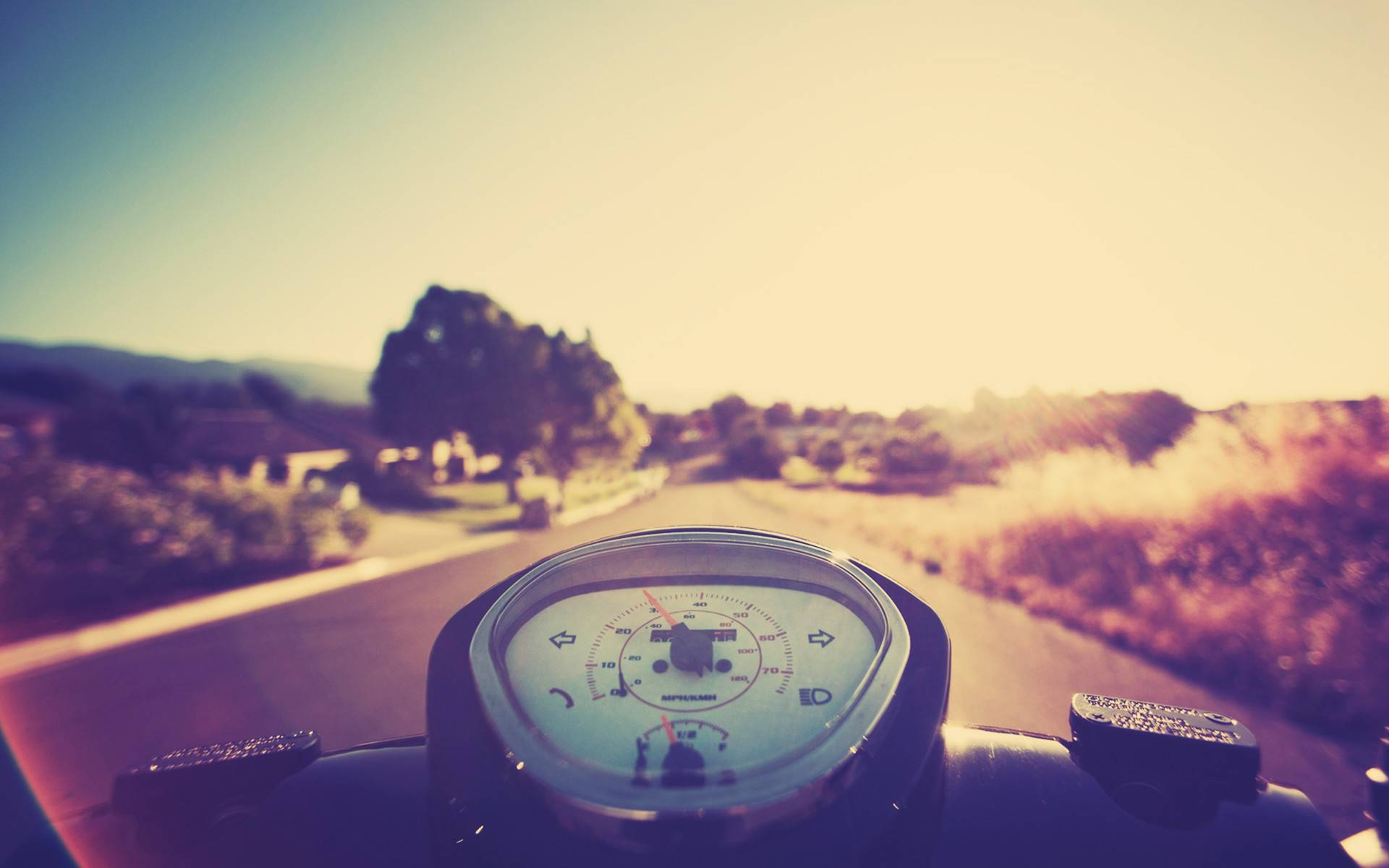 2014 leave a comment hd walls wallpapers woman on a vespa wallpaper 1920x1200