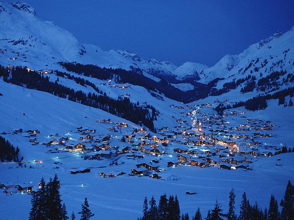 Ski village at night   pictures and wallpaper download mountains 1024x768