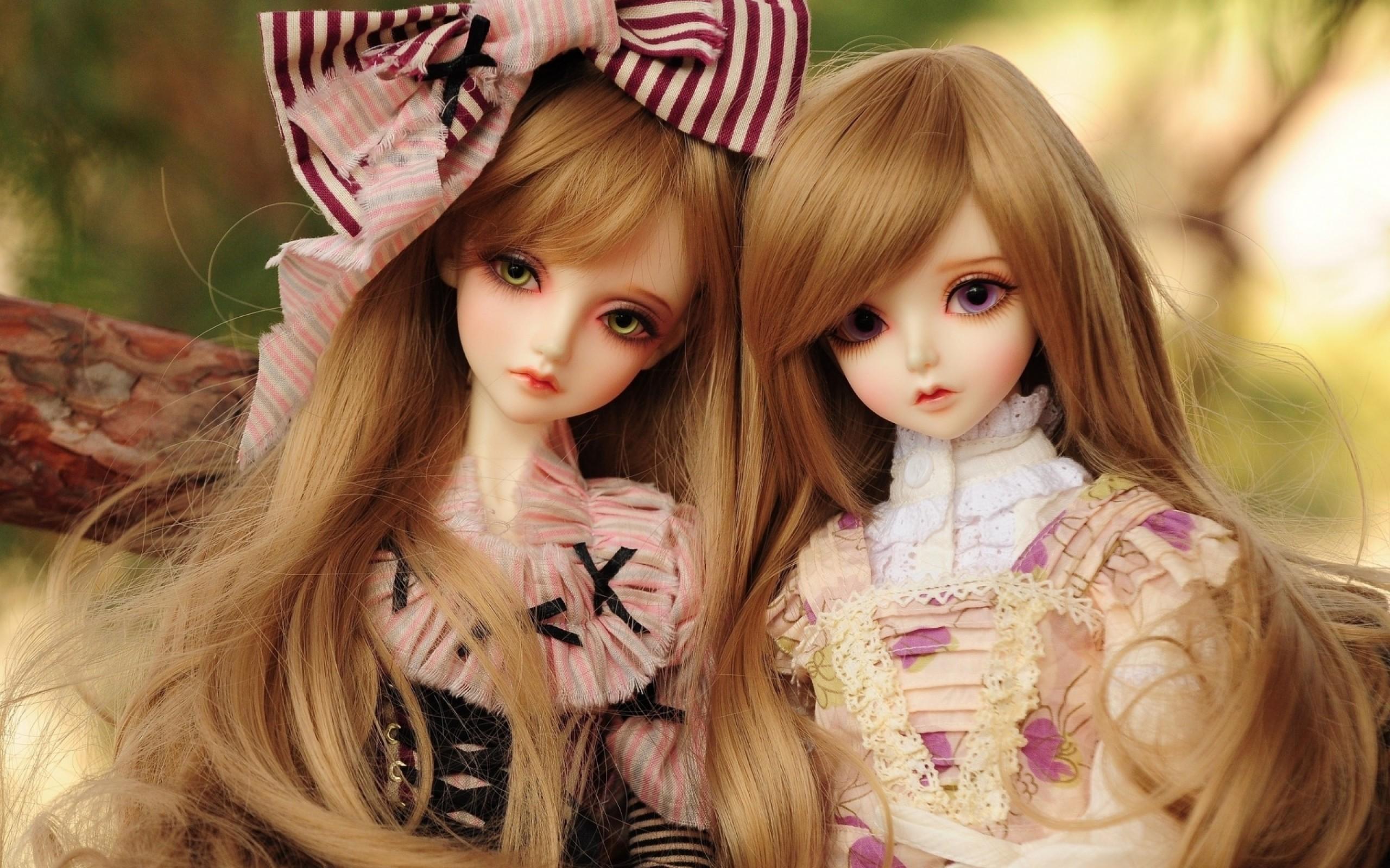 Wallpaper Beautiful Dolls 2560x1600