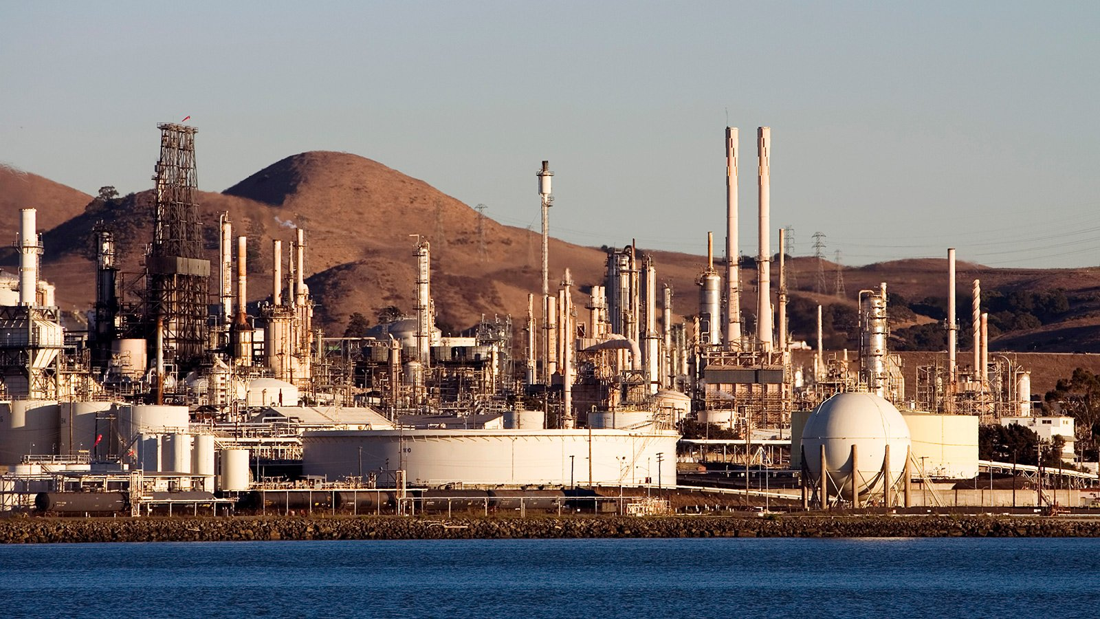 Fossil fuels are the problem say fossil fuel companies being sued 1600x900