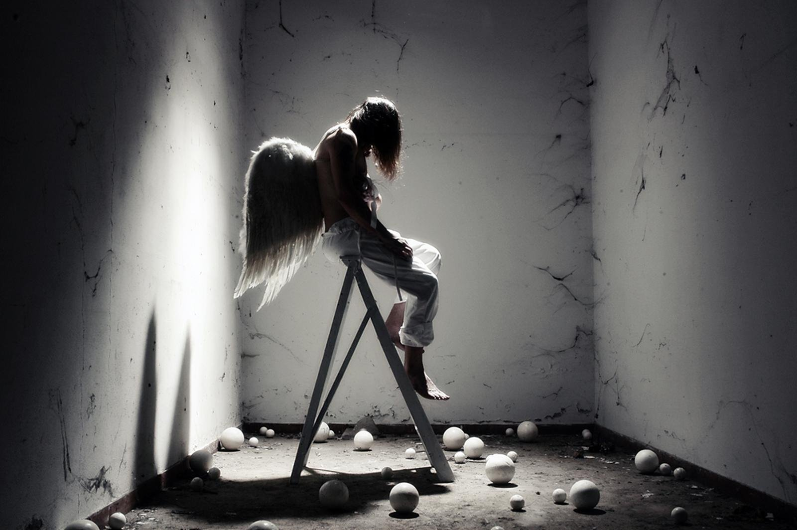 bigorguaWallpaper title Fallen angel 1600x1064
