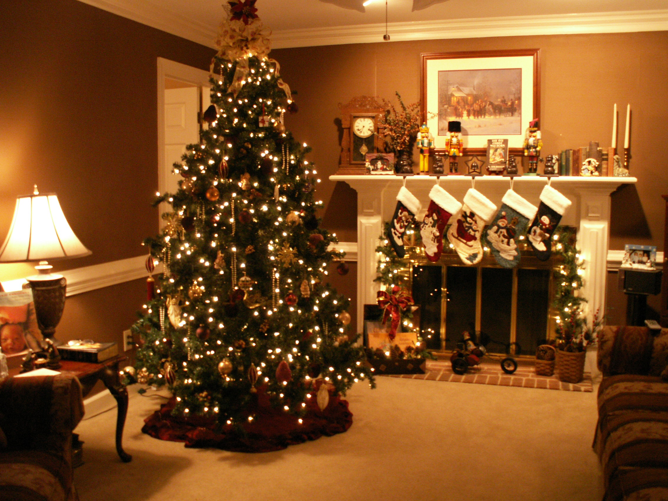 Christmas fireplace fire holiday festive decorations 4 wallpaper 2272x1704
