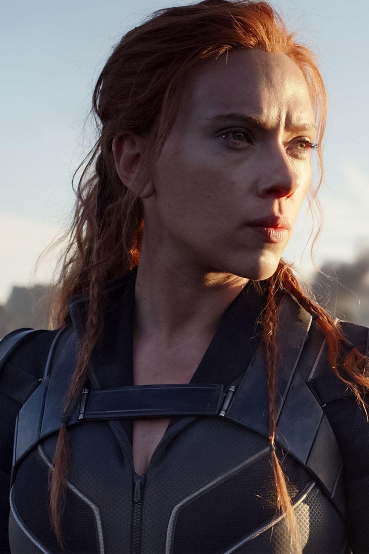Scarlett Johansson in Black Widow 2021 Movie Wallpaper in 2021 1000x1500