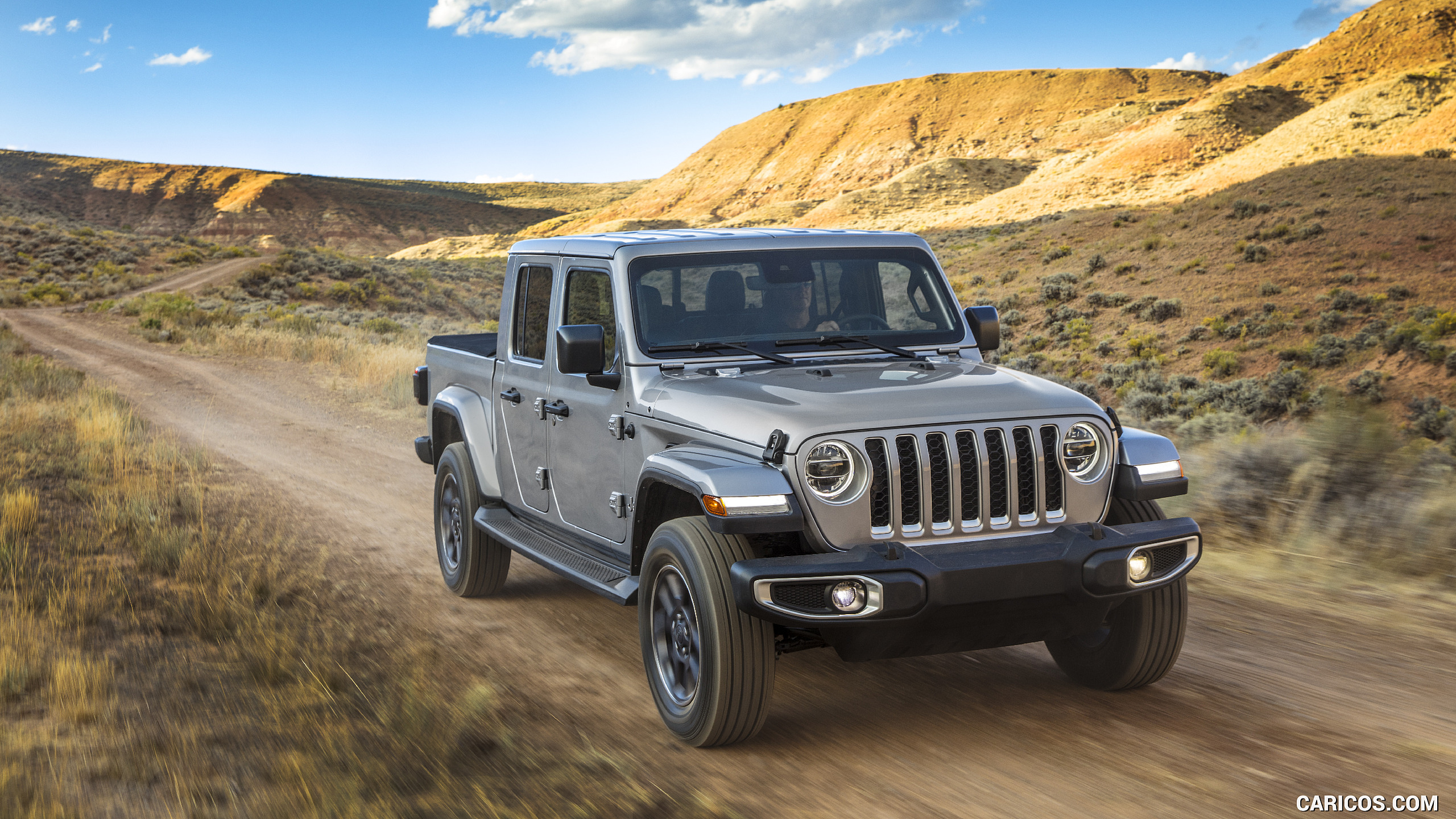 2020 Jeep Gladiator Overland   Front Three Quarter HD Wallpaper 201 2560x1440