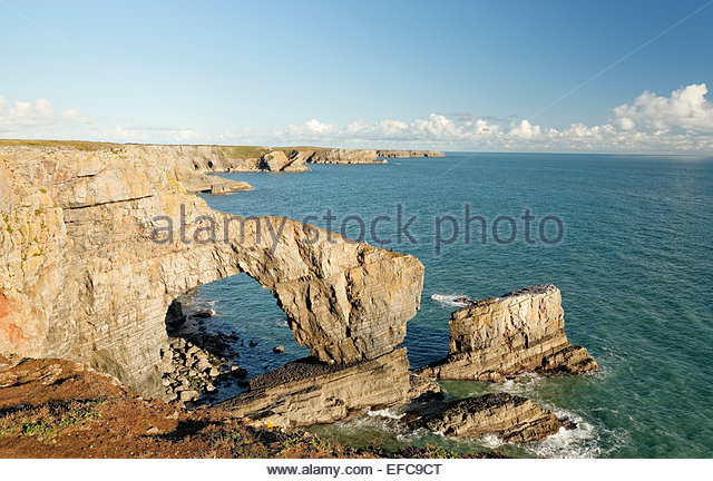 The Green Bridge of Wales is carboniferous limestone standing 80 feet 640x432