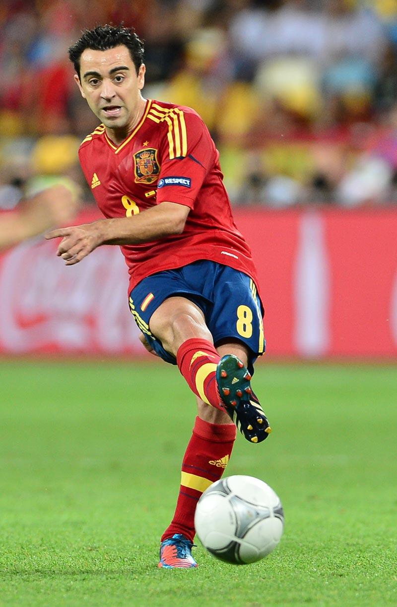 Xavi Wallpapers 2013   Football Wallpapers Soccer Photos Messi 800x1221