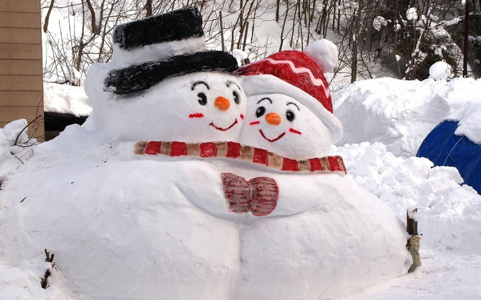 download 2048x1152 snowmen snow winter 2048x1152 Resolution 1680x1050