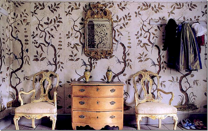 Or how about a mural with some color like this de Gournay Finally 790x499