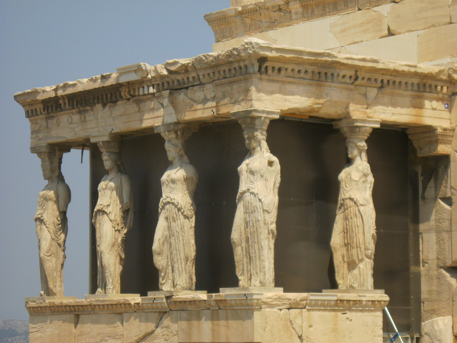 The statue of Zeus at Olympia Wallpapers High Quality Download 1600x1200