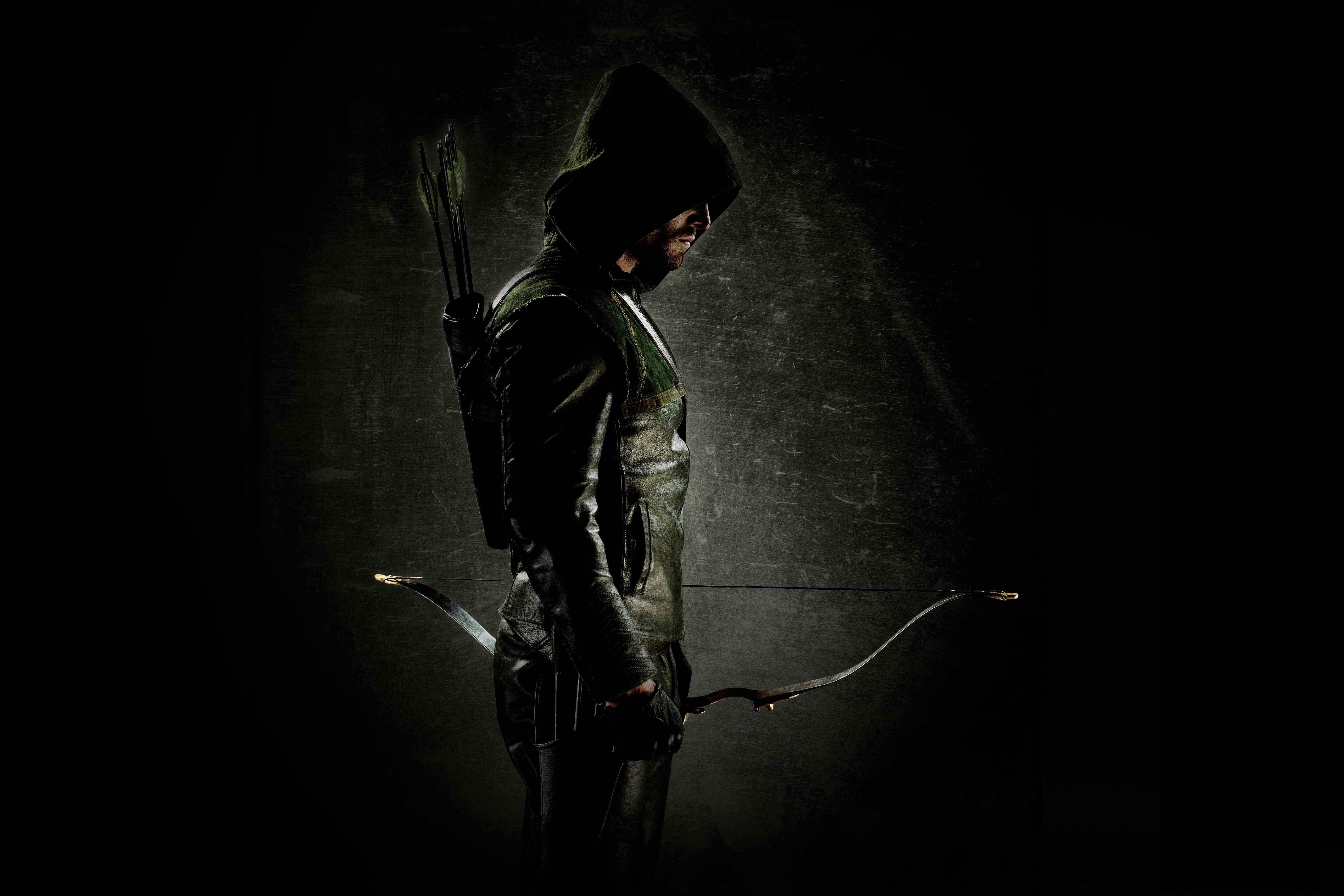 FIRST LOOK Green Arrow in The CWs Arrow 5616x3744