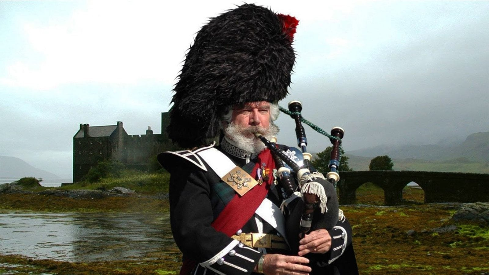 on being german then irish and now a scottish bagpiper   Neal 1600x900
