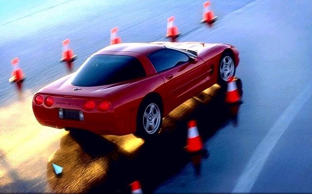 Desktop wallpaper downloads Chevrolet Corvette car   Huge 640x398