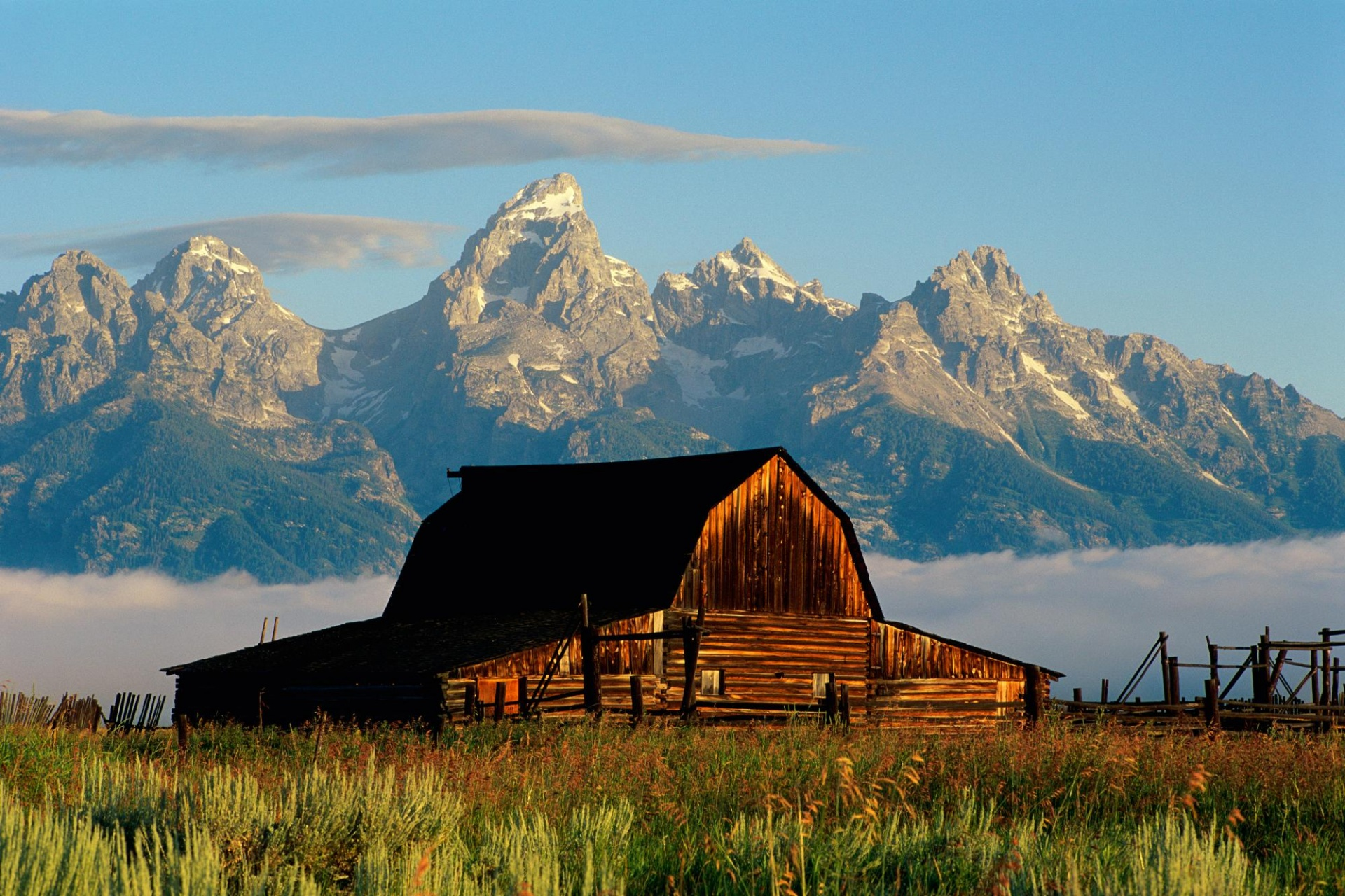 1920x1200 Mountains and cabin desktop PC and Mac wallpaper 1920x1280