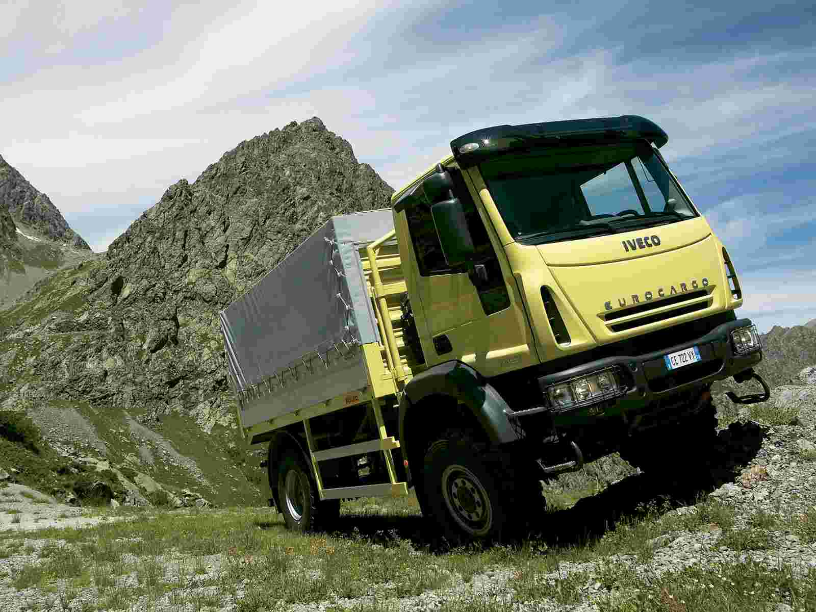 4x4 01 wallpaper   IVECO   Trucks Buses   Wallpaper Collection 1600x1200