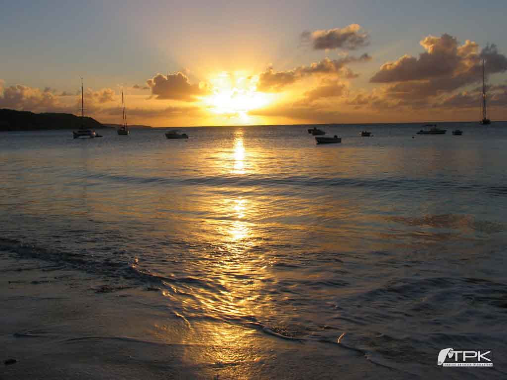 beach sunset wallpaper sunset crocusbay Tropical Paradise Kitesurfing 1024x768