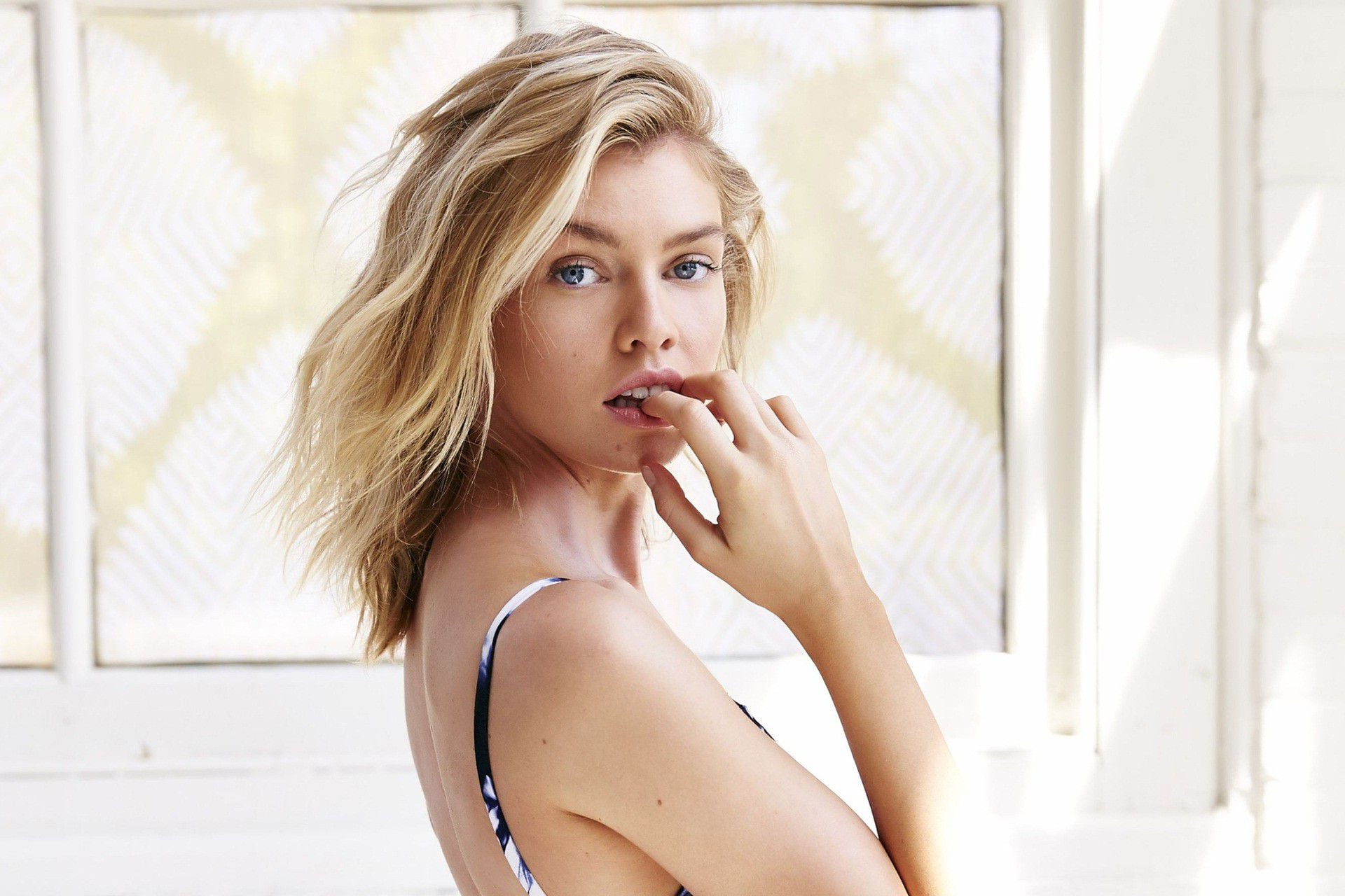 Stella Maxwell HD Wallpapers of High Quality Download 1920x1280