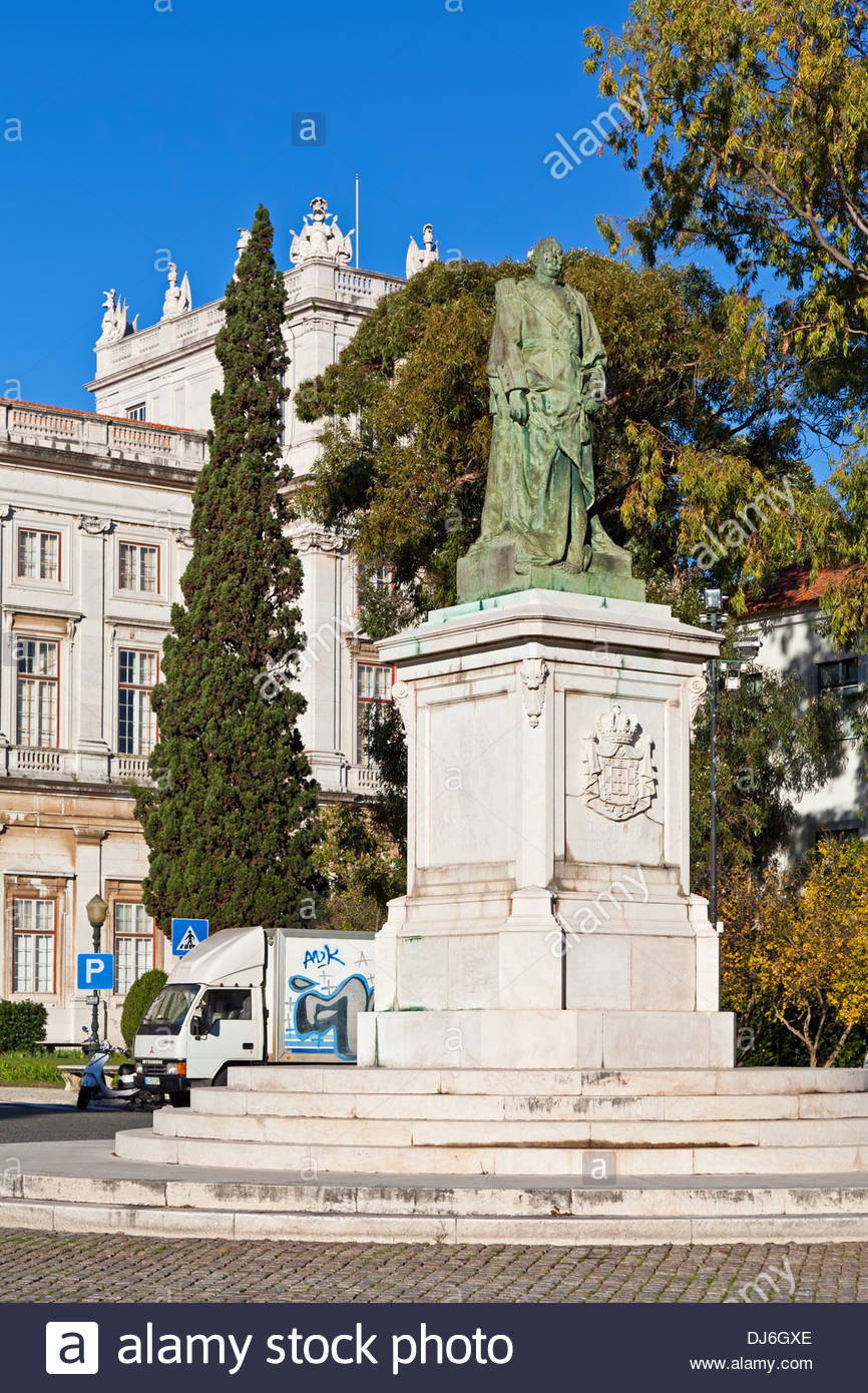 Statue of the king Dom Carlos I and the Ajuda National Palace in 866x1390