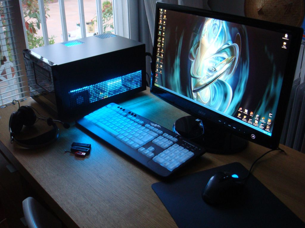 gaming pc hd wallpapers 1024x768