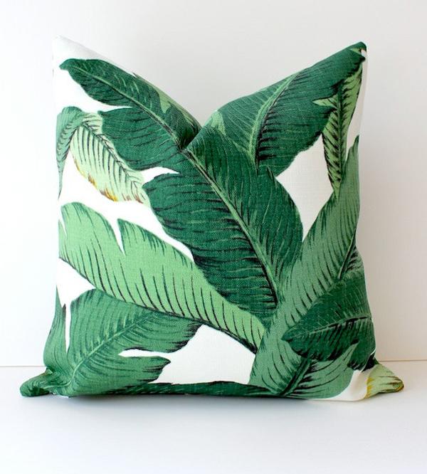 Martinique banana leaf wallpaper via Elle Decor 600x666