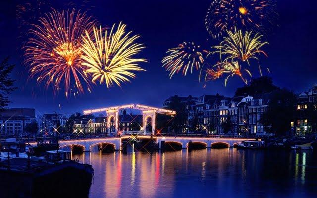 Fireworks Wallpaper 640x400