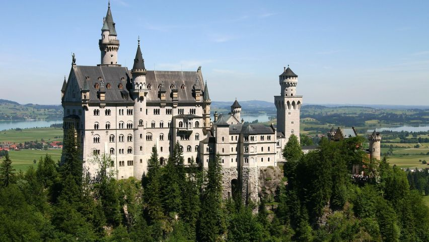 Description Download neuschwanstein castle Wallpaper in 852x480 852x480