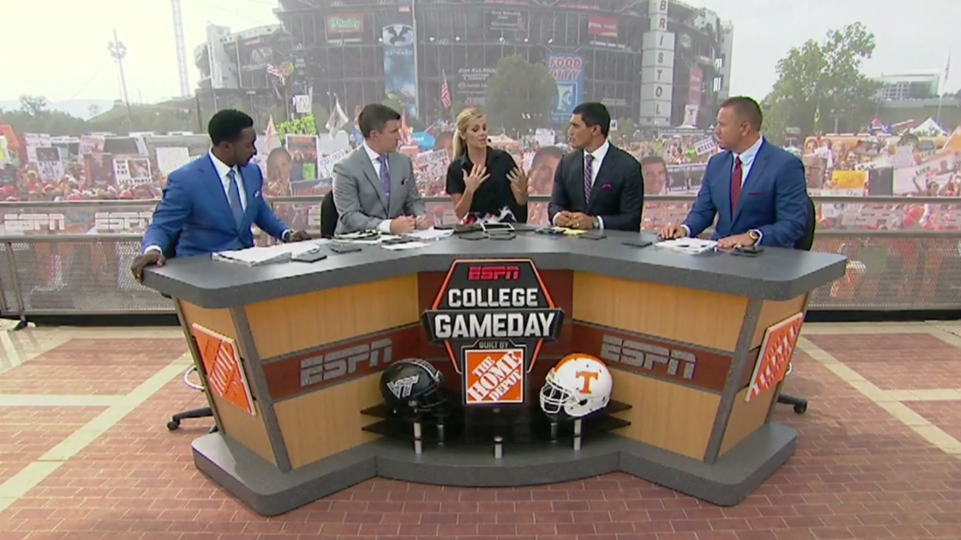 College GameDay mic snafu disrupts serious Art Briles discussion 1920x1080