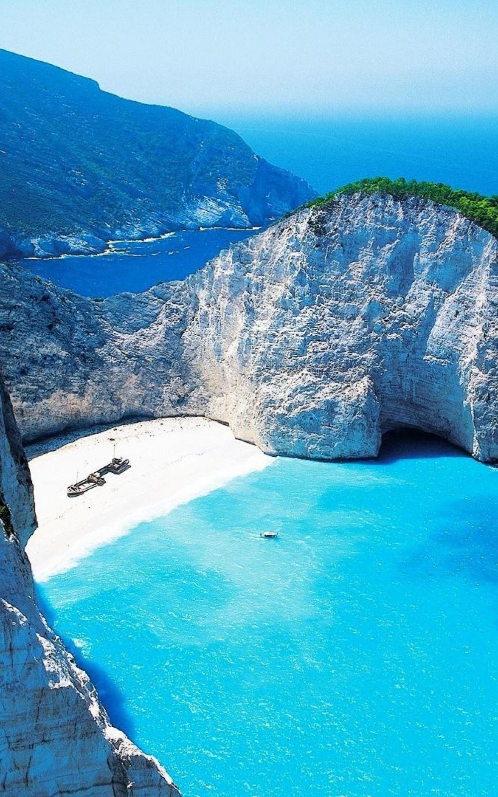 Navagio Shipwreck Beach Smugglers Cove Zakynthos Greece iPhone 6 1000x1600