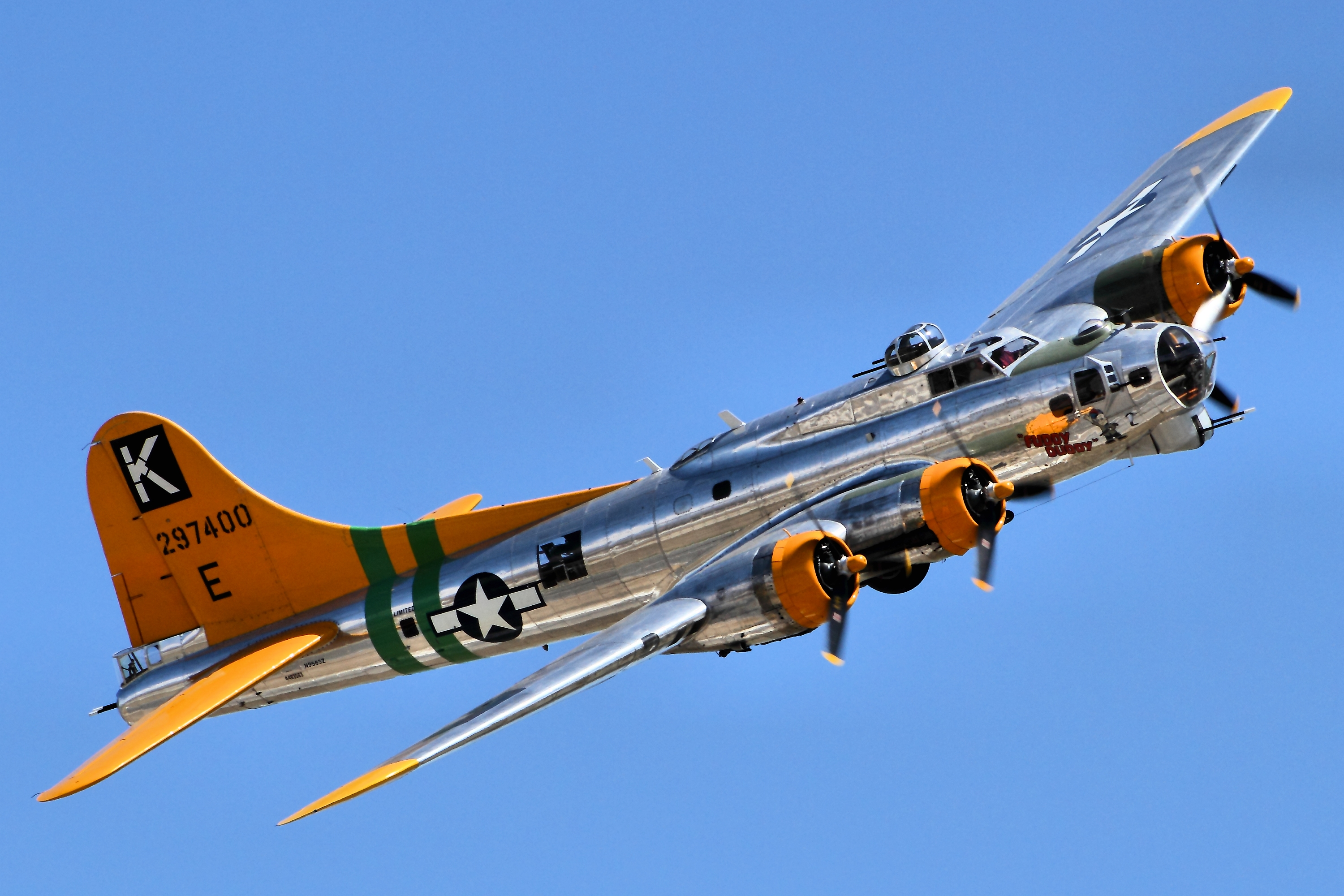 FileB17 Flying Fortress   Chino Airshow 2014 14112841238jpg 3000x2000