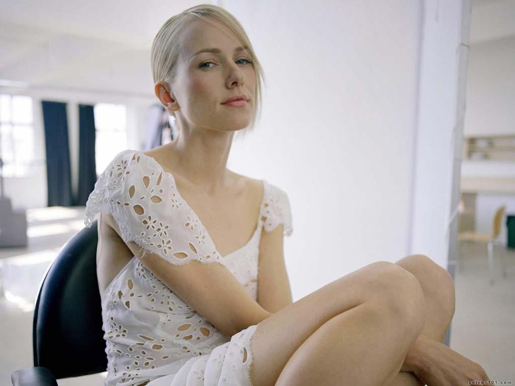 Naomi Watts High quality wallpaper size 1024x768 of Naomi Watts 1024x768
