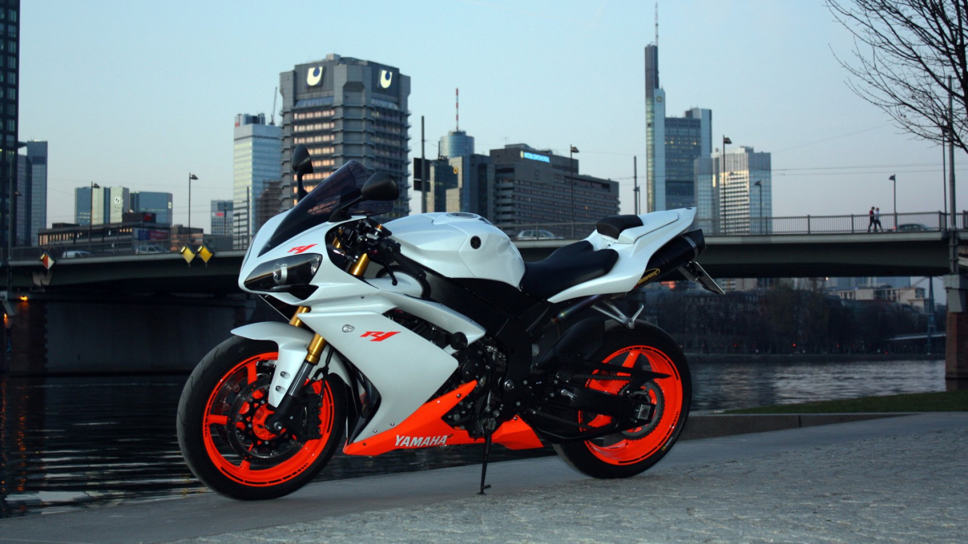 HD Background Yamaha R1 In White Half Orange Color Side 1920x1080