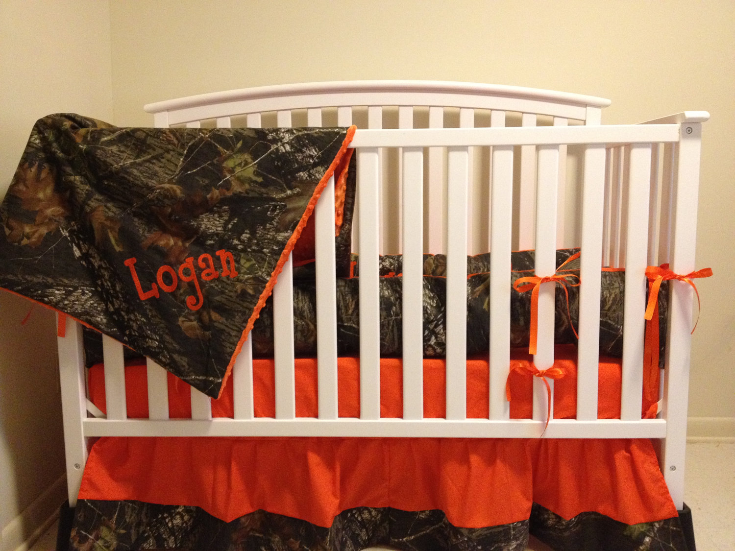 Orange Camo Bedding 1500x1125