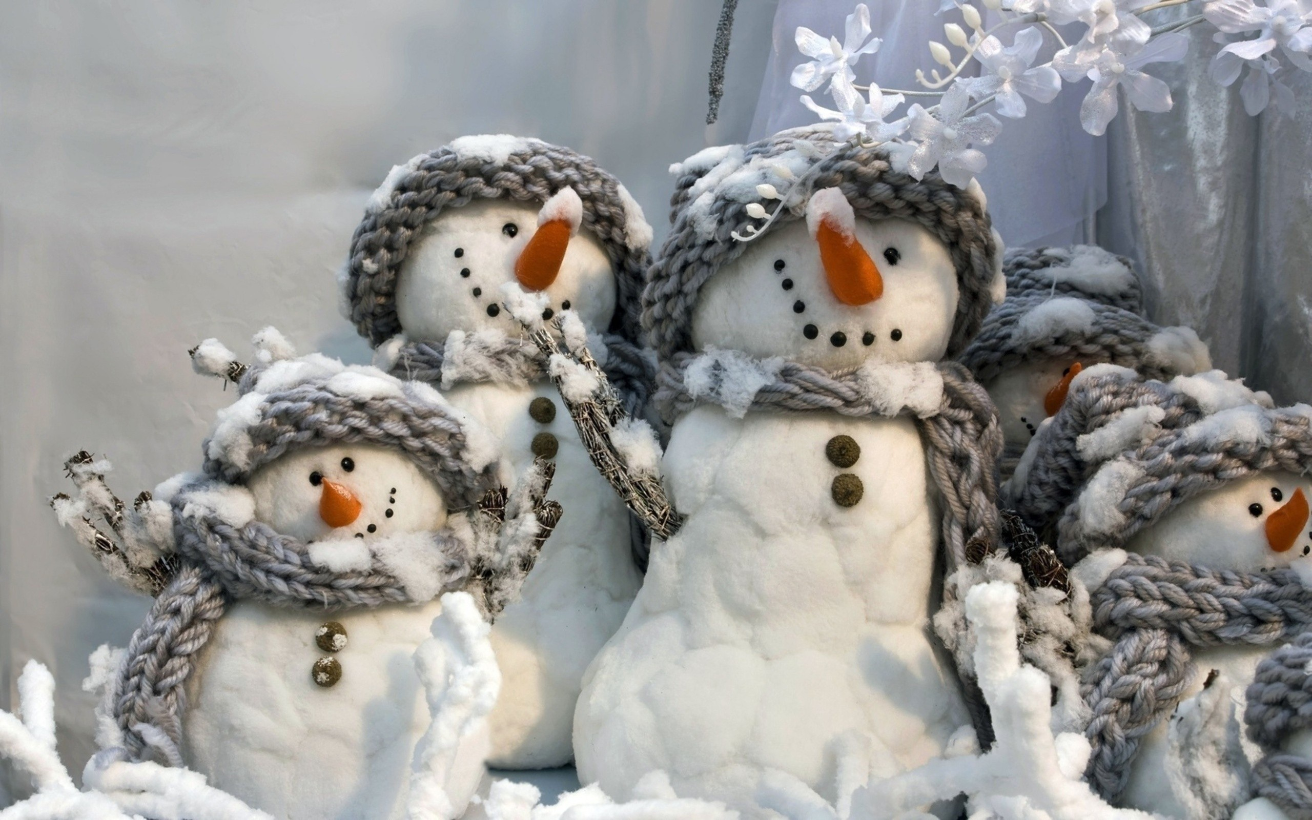 download winter snowman wallpaper which is under the winter wallpapers 2560x1600
