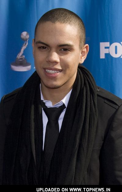 Evan Ross I   FONDOS WALL 399x623