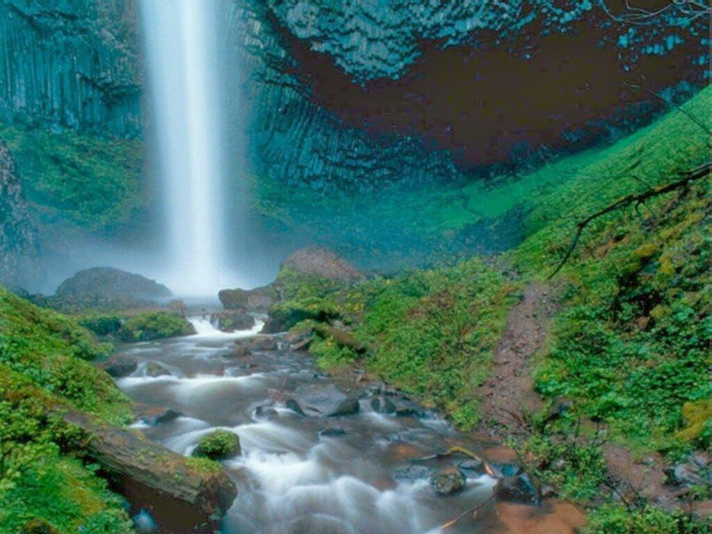Download Beautiful 3D Nature WaterFall HD Wallpaper 1024x768