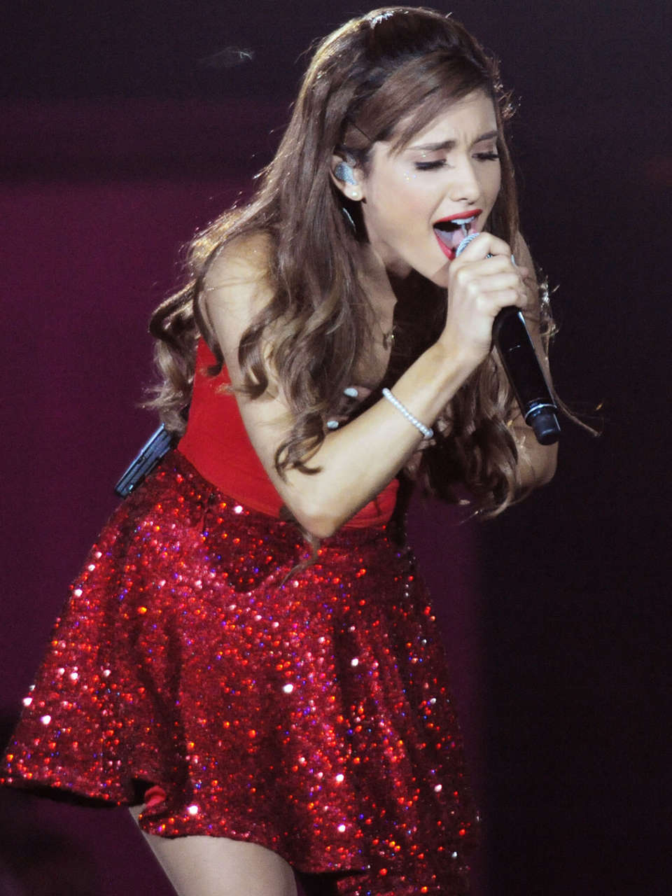 Ariana Grande   Concert with Justin Bieber in Atlanta 02 960x1280