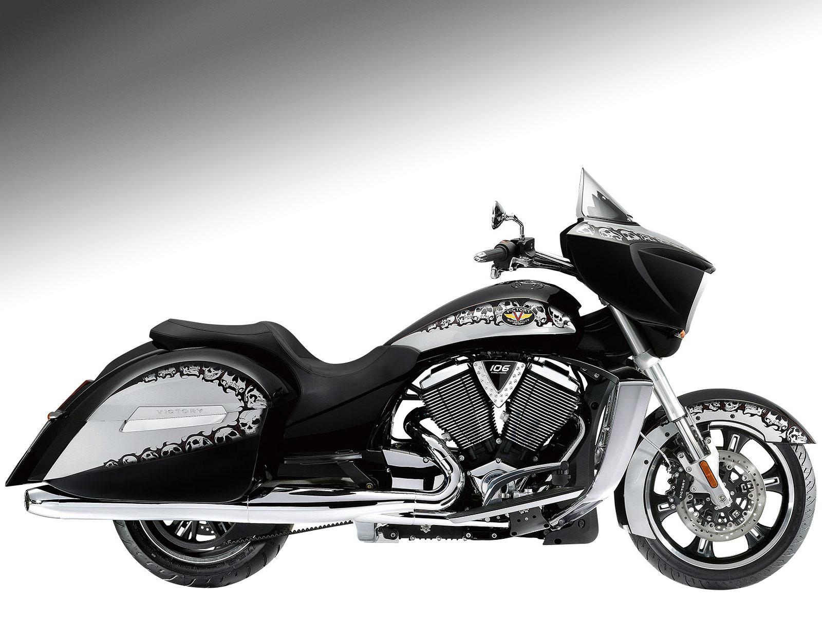 2010 VICTORY Cross Country Motorcycle Desktop Wallpaper 1600x1200