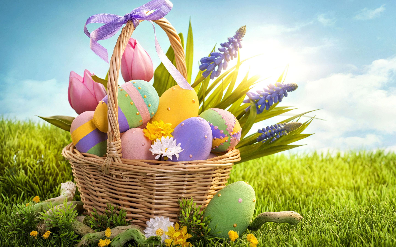 Easter Eggs Background Designs Wallpaper 2880x1800