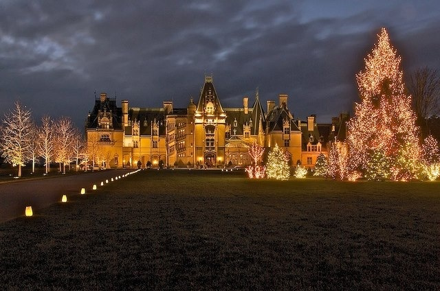 The Biltmore Estate at Christmas Time 640x424