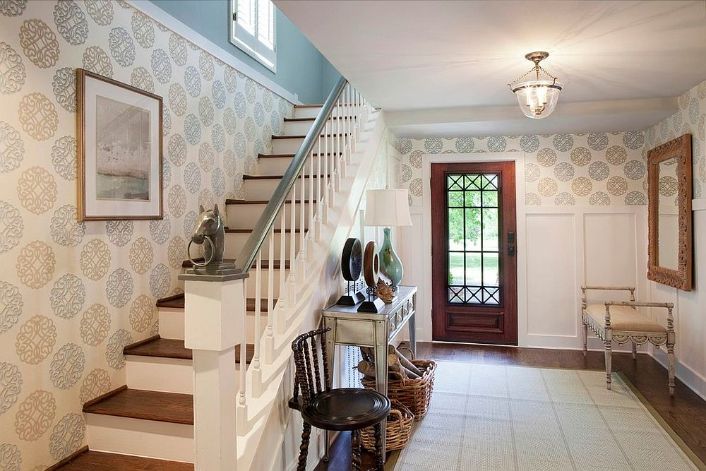 25 Gorgeous Entryways Clad in Wallpaper 1000x667